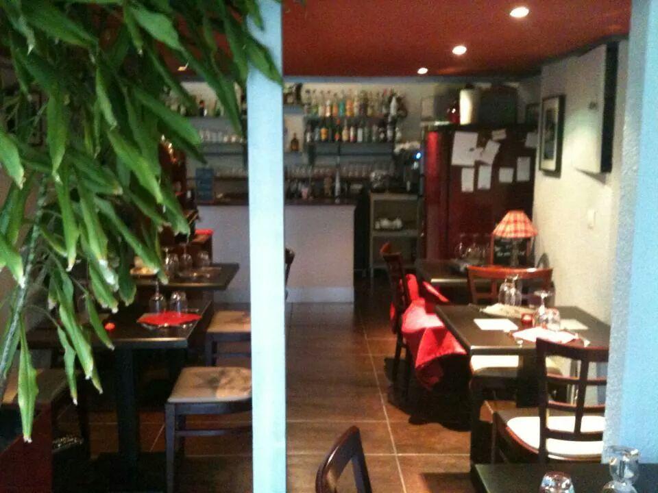 restaurant le groov art grenoble restaurant sp cialit s trang res africain grenoble. Black Bedroom Furniture Sets. Home Design Ideas